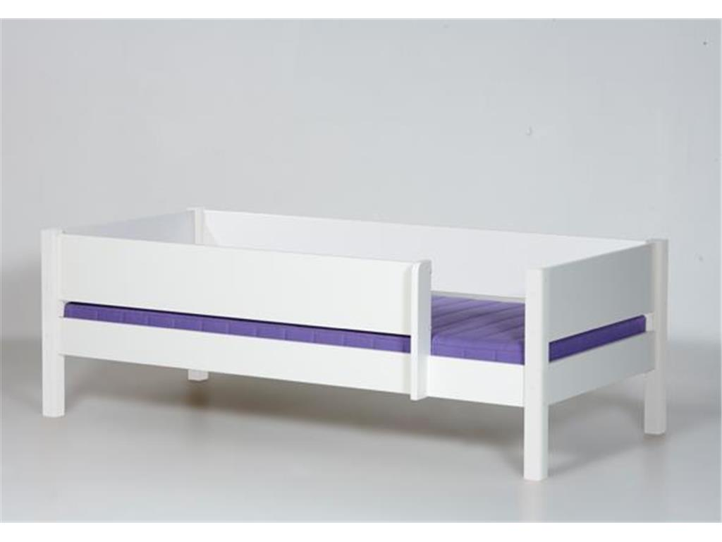 sicherheit ist wichtig im kinderzimmer und beim hochbett. Black Bedroom Furniture Sets. Home Design Ideas